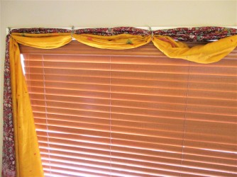 curtains-yellow-and-red-8